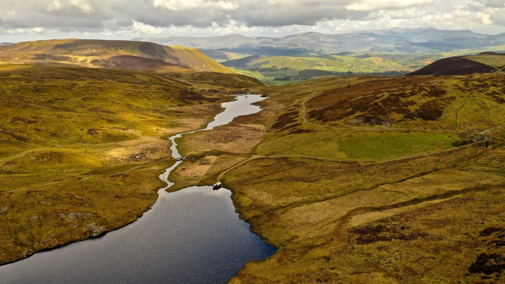 Llyn Bugeilyn – A llyn of the 'Great Desert of Wales'