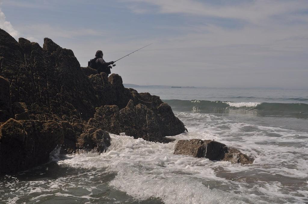 rock fishing for bass